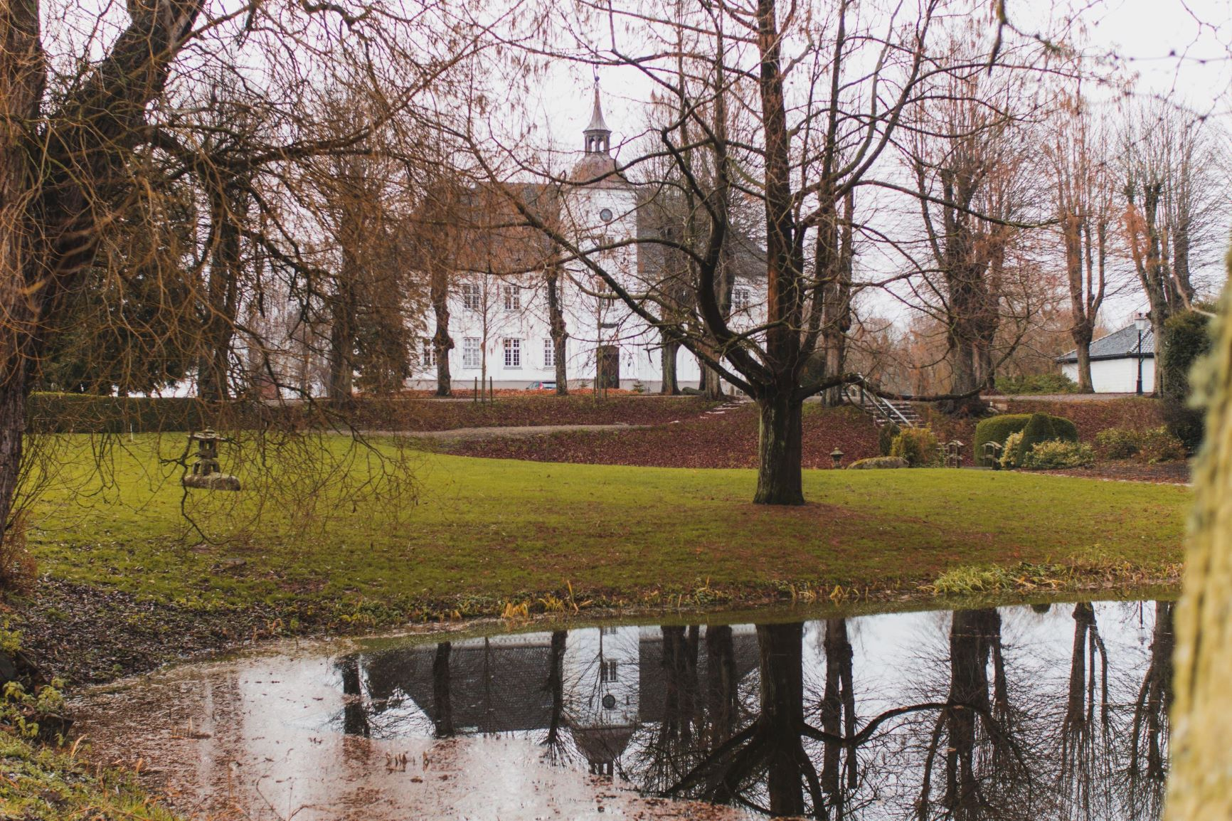 Kærstrup manor garden sight